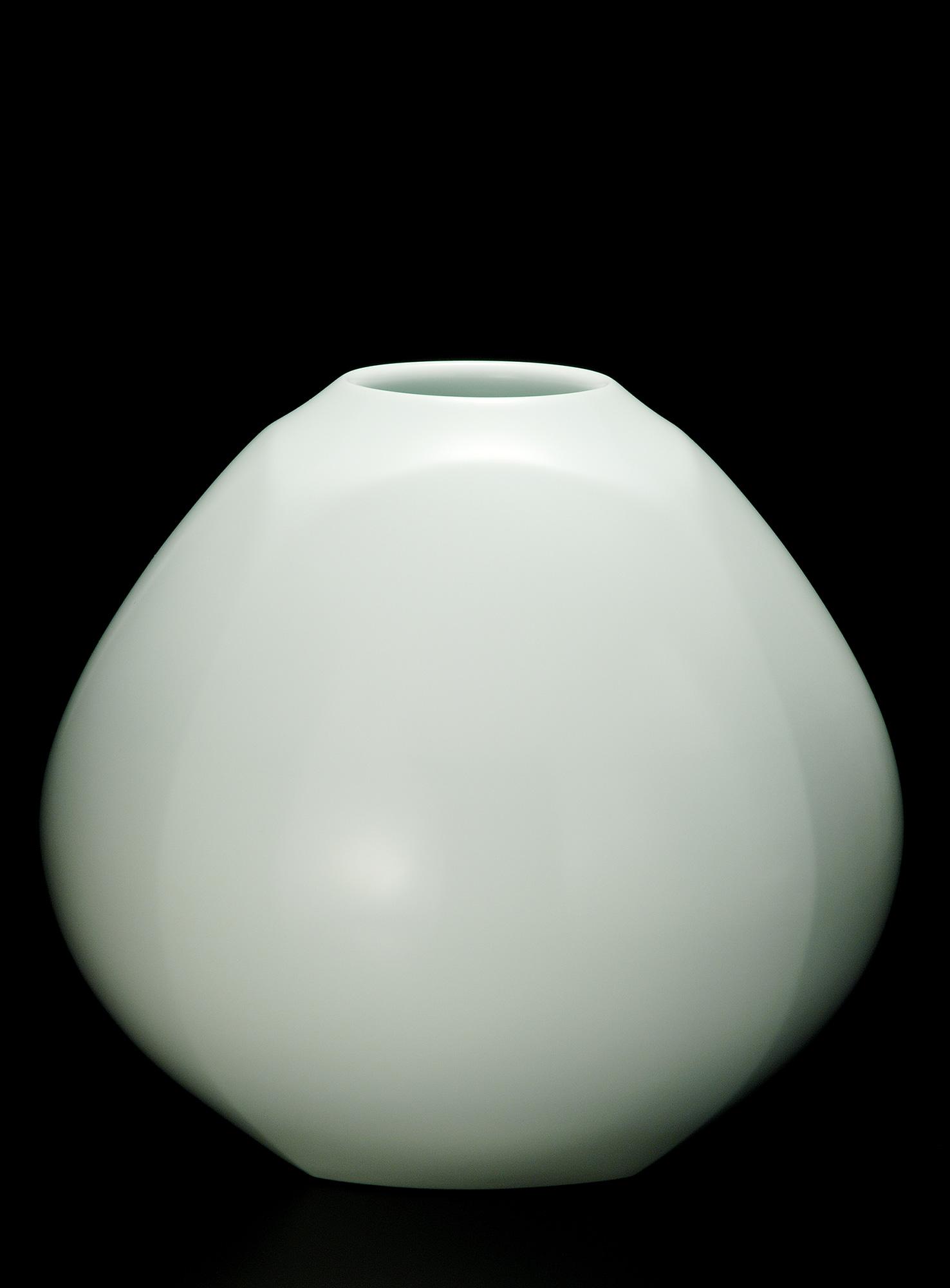 White Porcelain Faceted Vase(2010)
